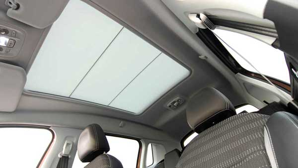 Sunshades-for-roof-systems-600